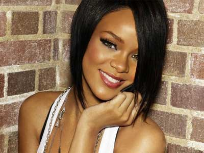 RIHANNA: Only girl (in the world)
